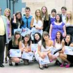 José Luis Sostres, a la izquierda, en la ceremonia de graduación del Instituto César Rodríguez de este año. l. valdés