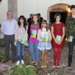 Los premiados, ayer, en la Casa Miranda. De izquierda a derecha, Manuel Arriazu, María Abella, Nerea Arrojo, Lucía Rubio, Cristina Saldaña, Javier Pilar y Álvaro Fernández. s. arias