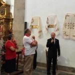 Favila antes del descubrimiento de su vía crucis, el 12 de julio, en Mogarraz. S. FERNÁNDEZ