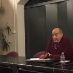 Ignacio Ruiz de la Peña, durante la charla que ofreció en la sala polivalente del palacio Valdecarzana. s. arias