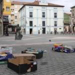 La plaza General Ponte, libre de mobiliario urbano, ayer, una vez retirado el mercado. S. ARIAS